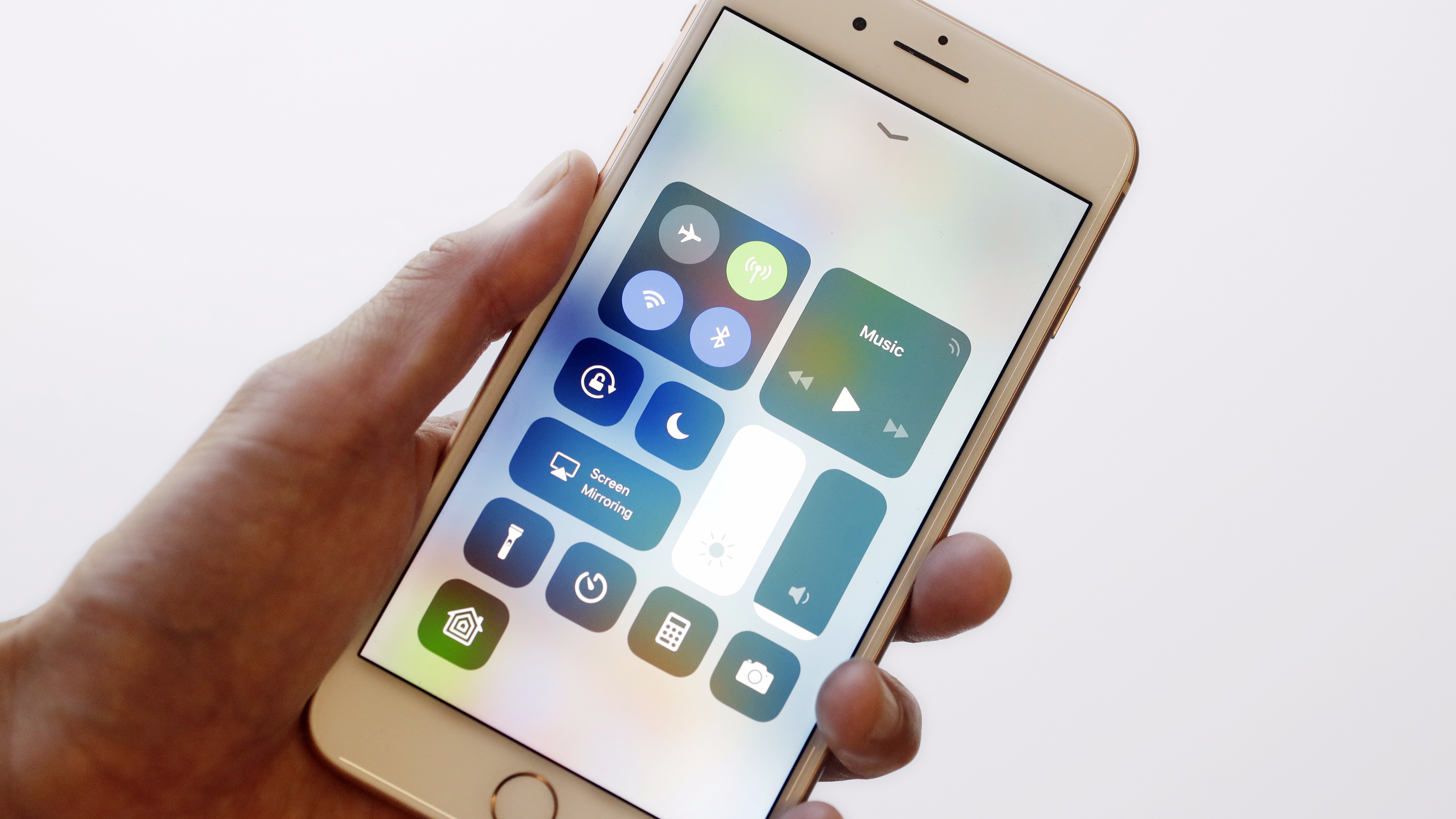 These Are The Hidden Features On Apple's iOS 11 That You Need To Know About