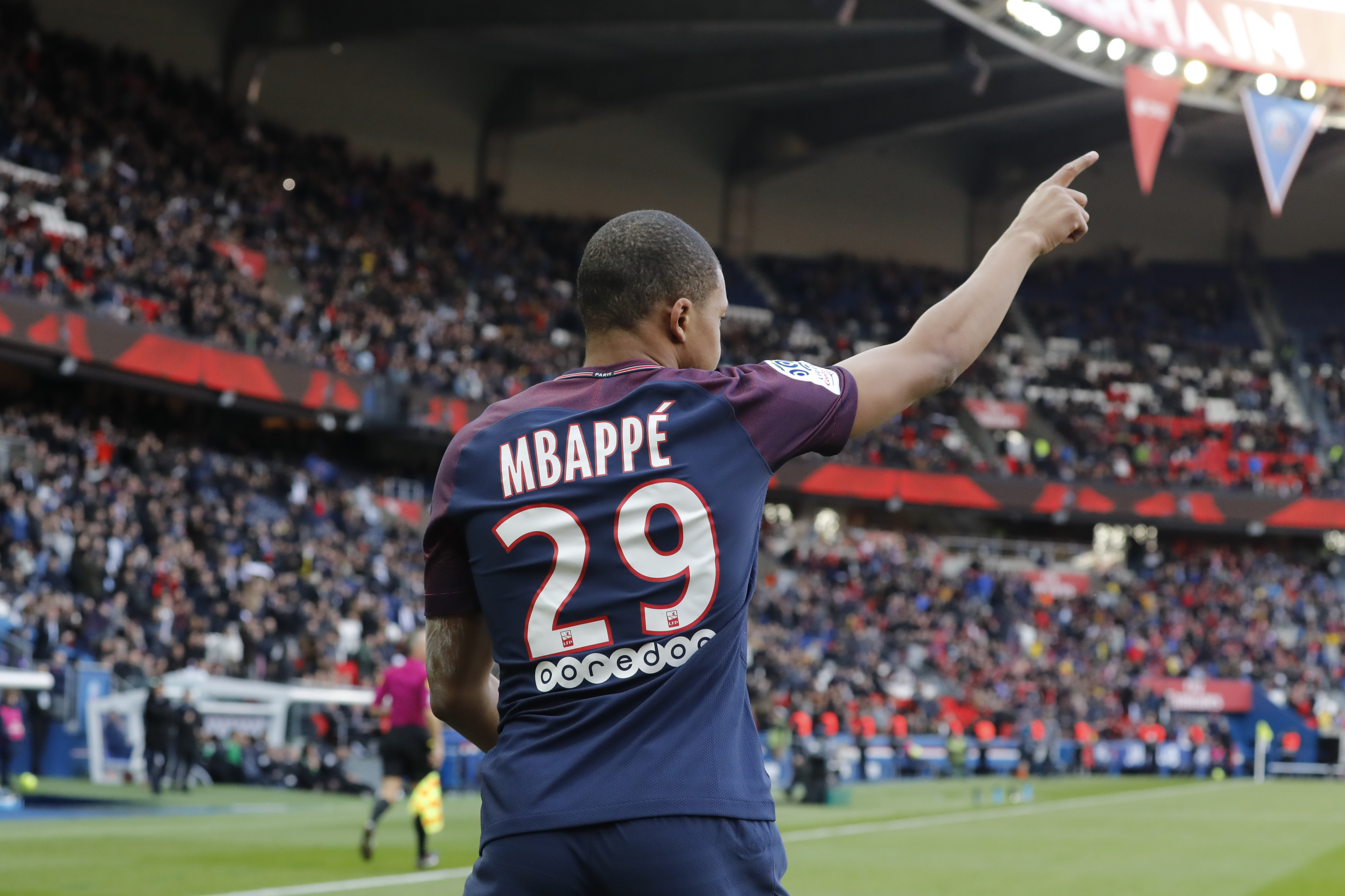 finest selection 30deb fe01c Kylian Mbappe's New France Shirt Number Is Just Perfection ...