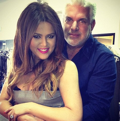 Tweeted A Picture Of Khloe With Their Mum Kris Hairdresser Alex Roldan Along The Caption First Official Photo My Sister And Her Dad