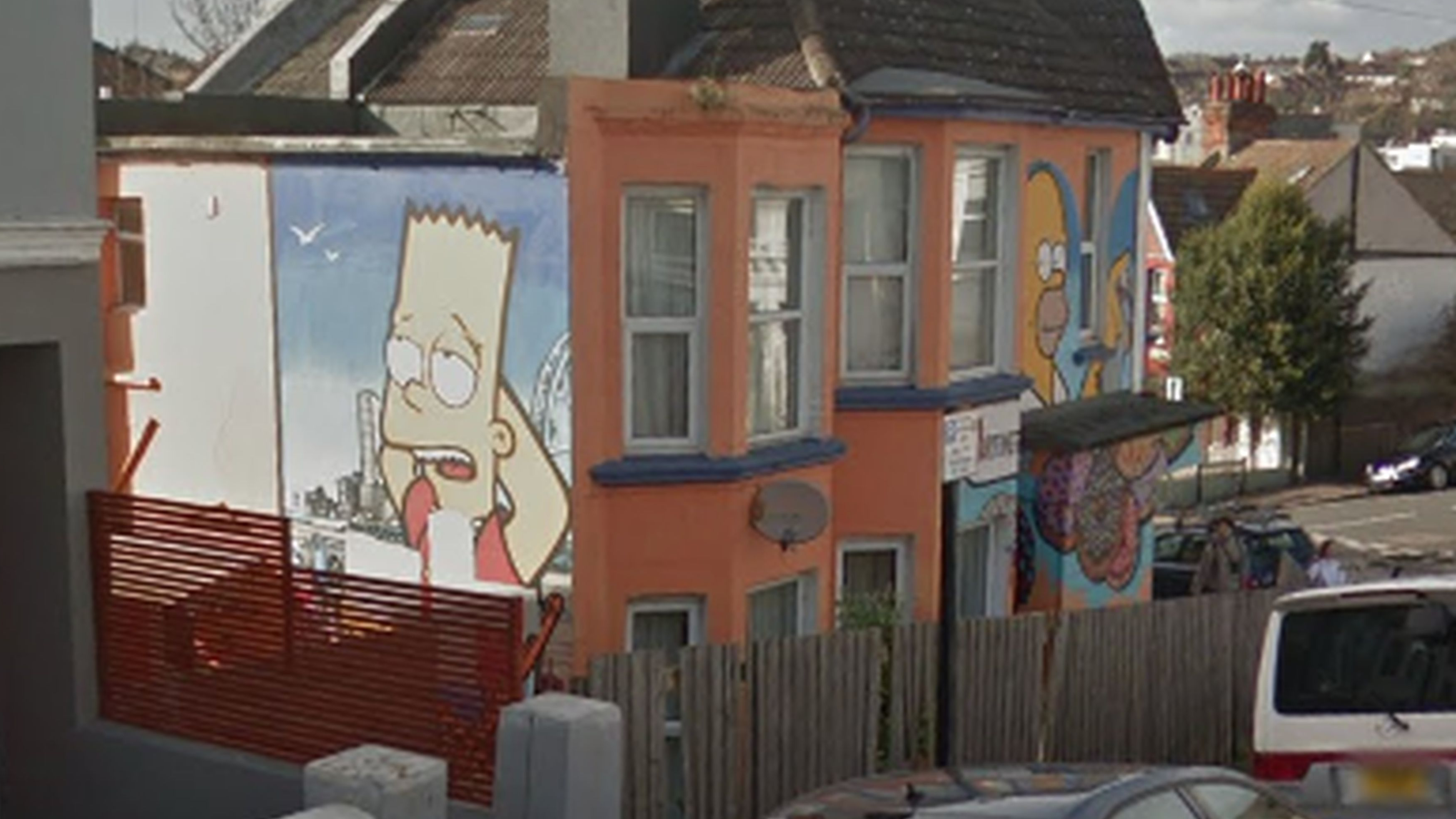 Man Rents House Before Discovering It S Covered In Simpsons Murals Ladbible