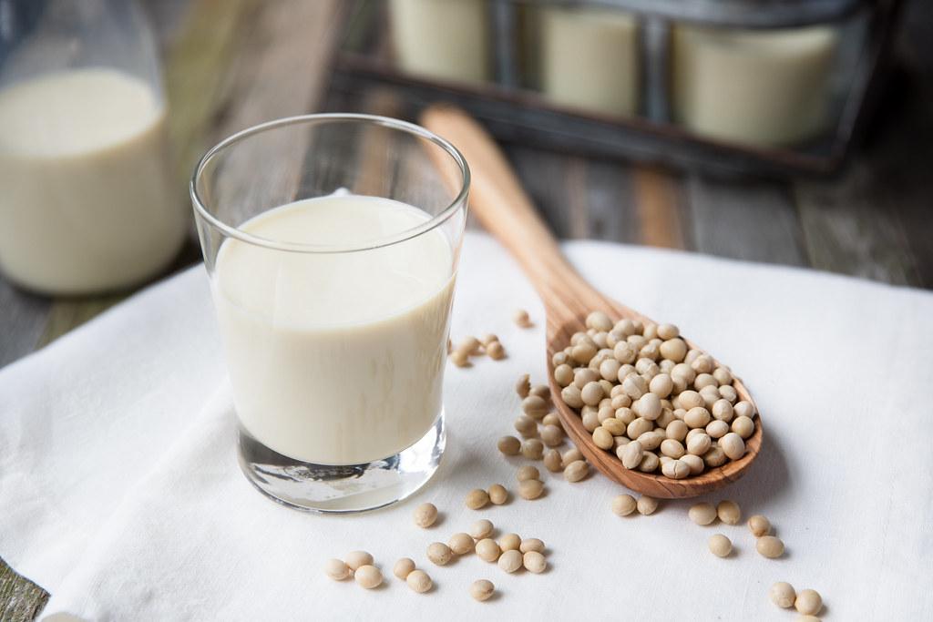 Dairy Farmers Australia reckon things like soy milk can't be called milk. Credit: Kjokkenutstyr.net/Creative Commons