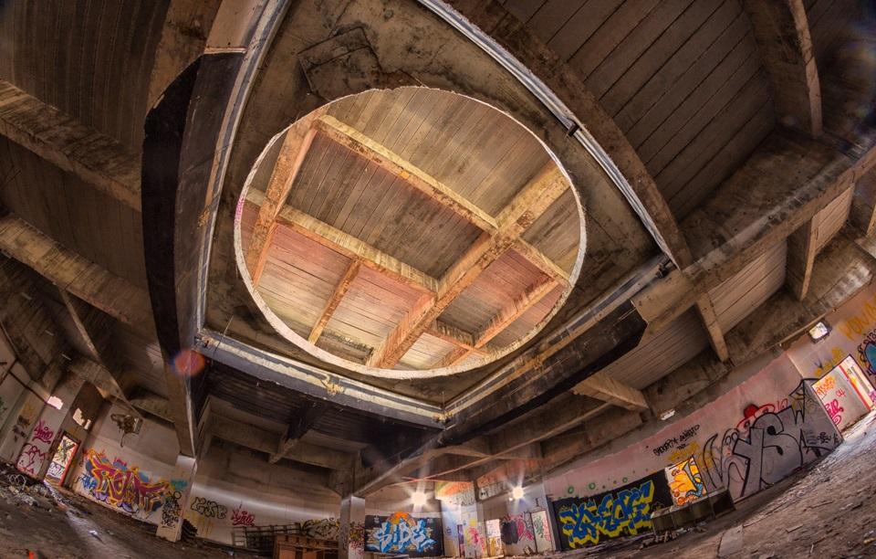 Abandoned 'Batman-Themed Nightclub' In Thailand Looks ...