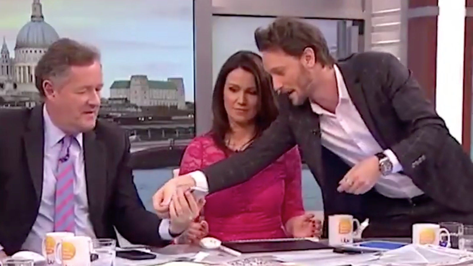 'Mentalist' Stuns Piers Morgan By Guessing His Pin Number On 'Good Morning Britain'