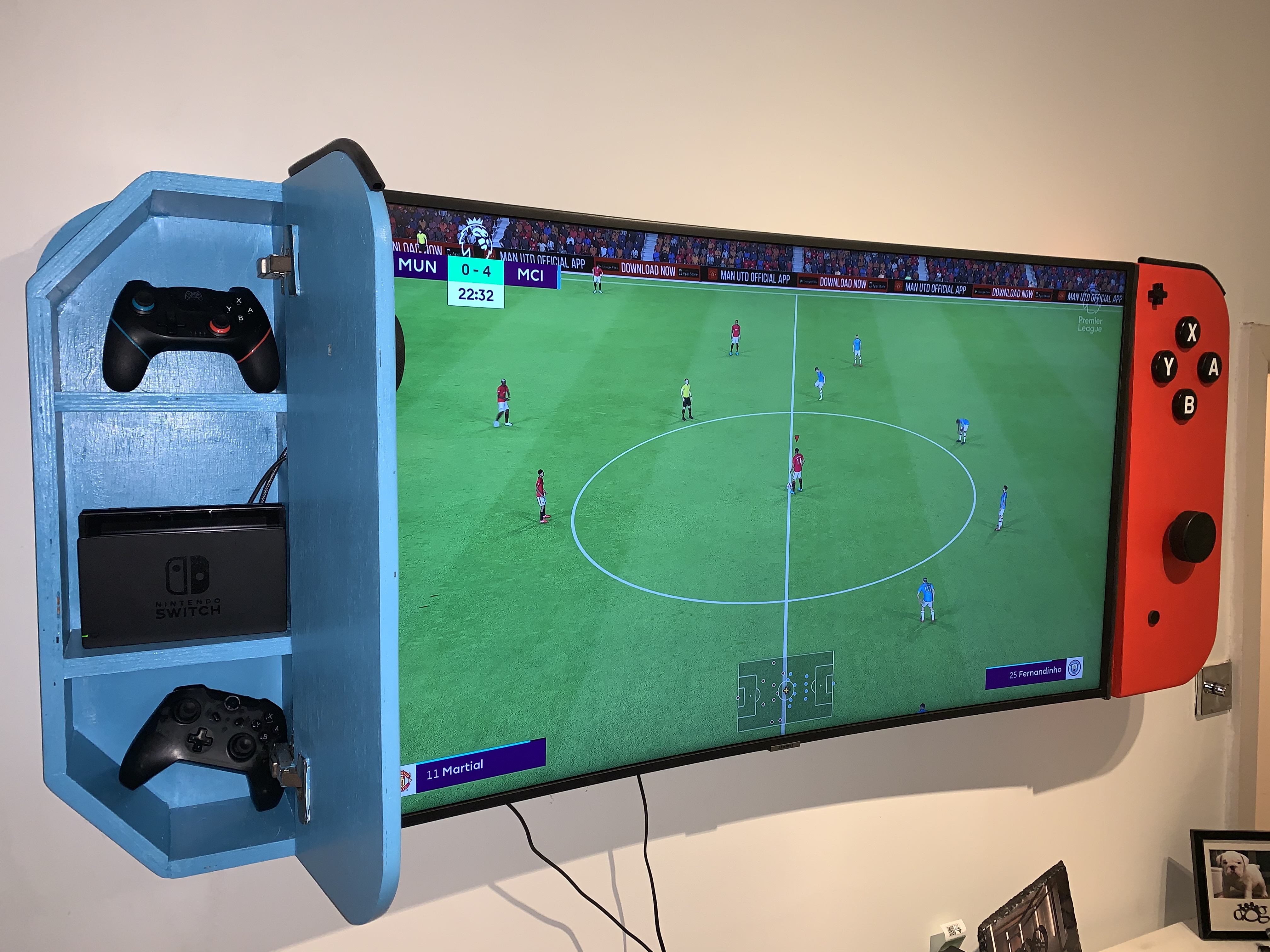 Dad Builds A Gigantic Nintendo Switch For His Son S Bedroom Television Ladbible