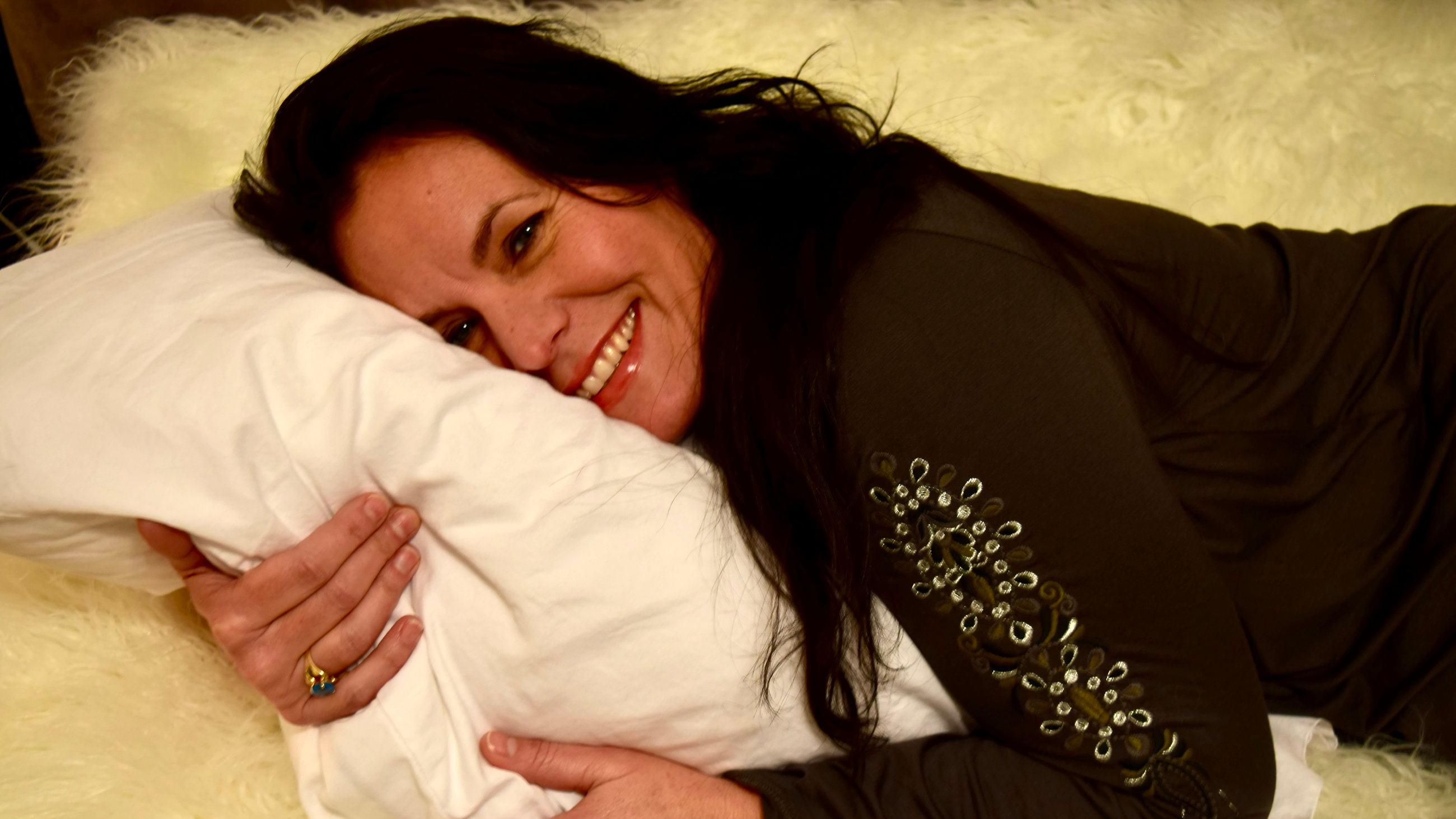 Woman Earns £30k A Year Being A Professional Cuddler