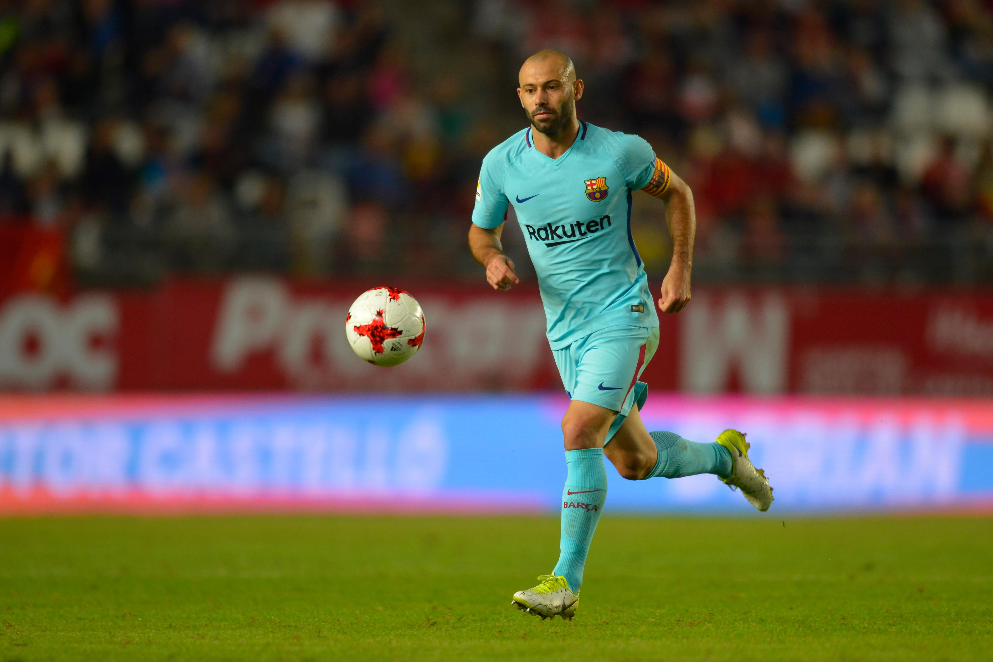 Javier Mascherano : Barcelona defender close to China move