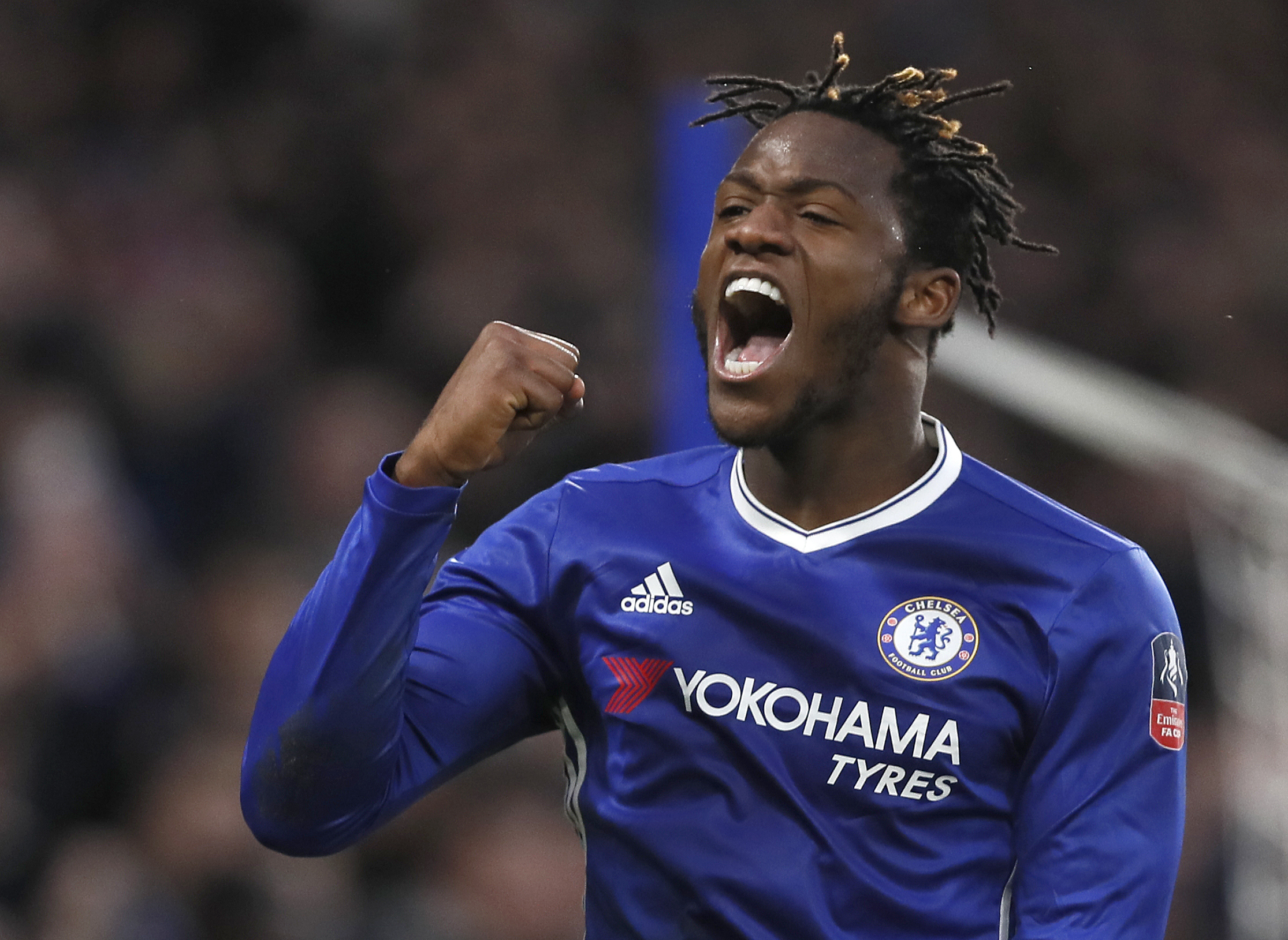 Conte backs Batshuayi amid reports Chelsea striker is set for move