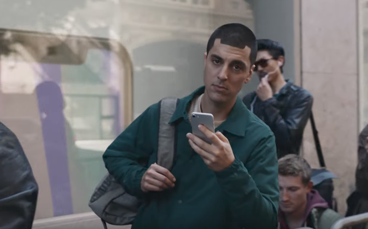 New Samsung ad mocks ten years of iPhones
