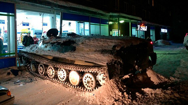 Drunk Russian Man Steals Tank And Crashes It Into Supermarket To Get More Wine