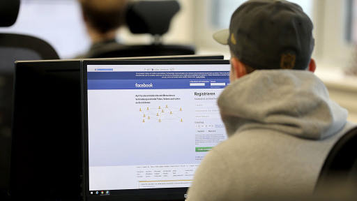 You Will Soon Be Able To 'Take A Break' From Your Ex On Facebook After You Split Up