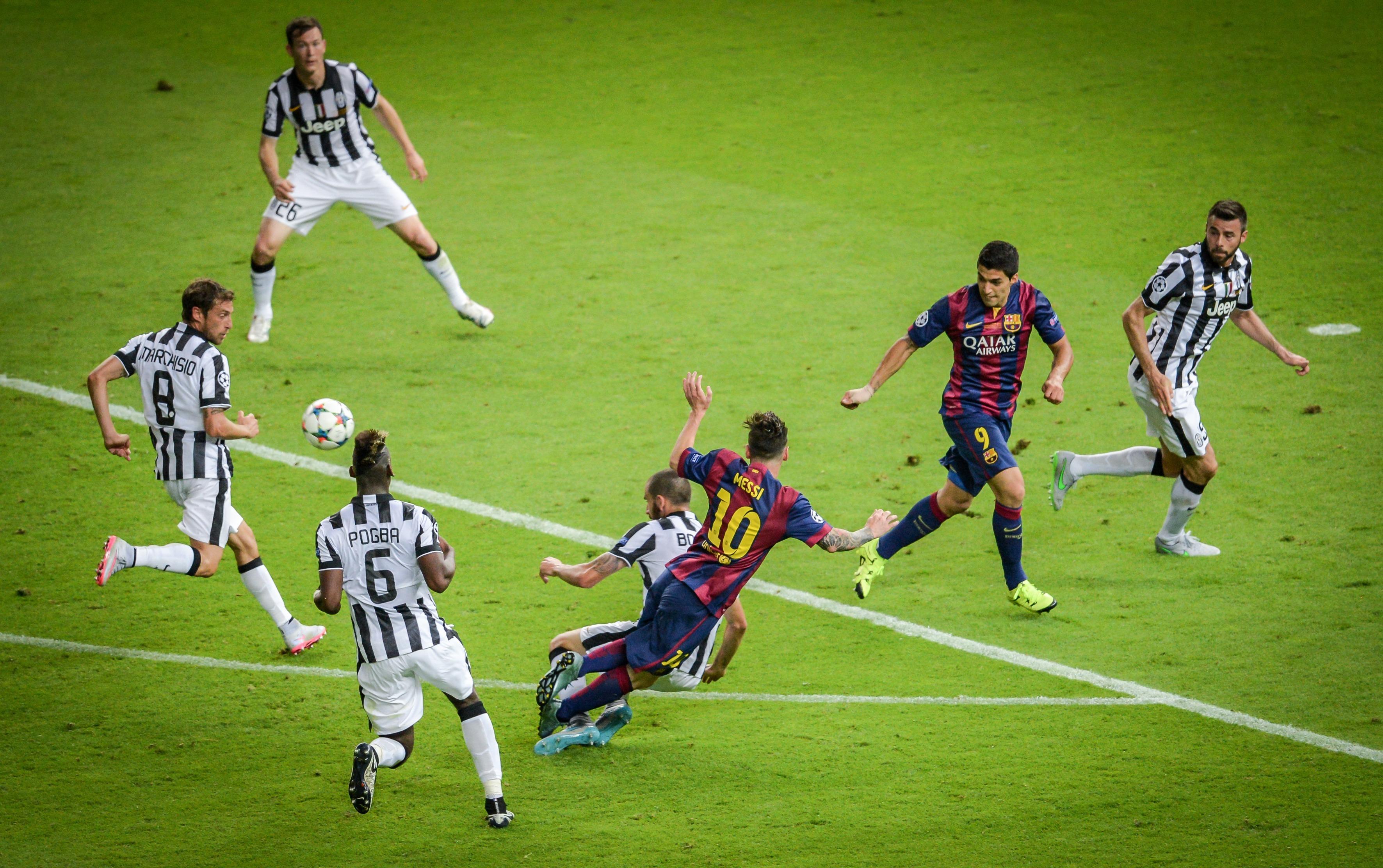 Beleaguered Barcelona beats Ronaldo-less Juventus in ...   Juventus- Barcelona