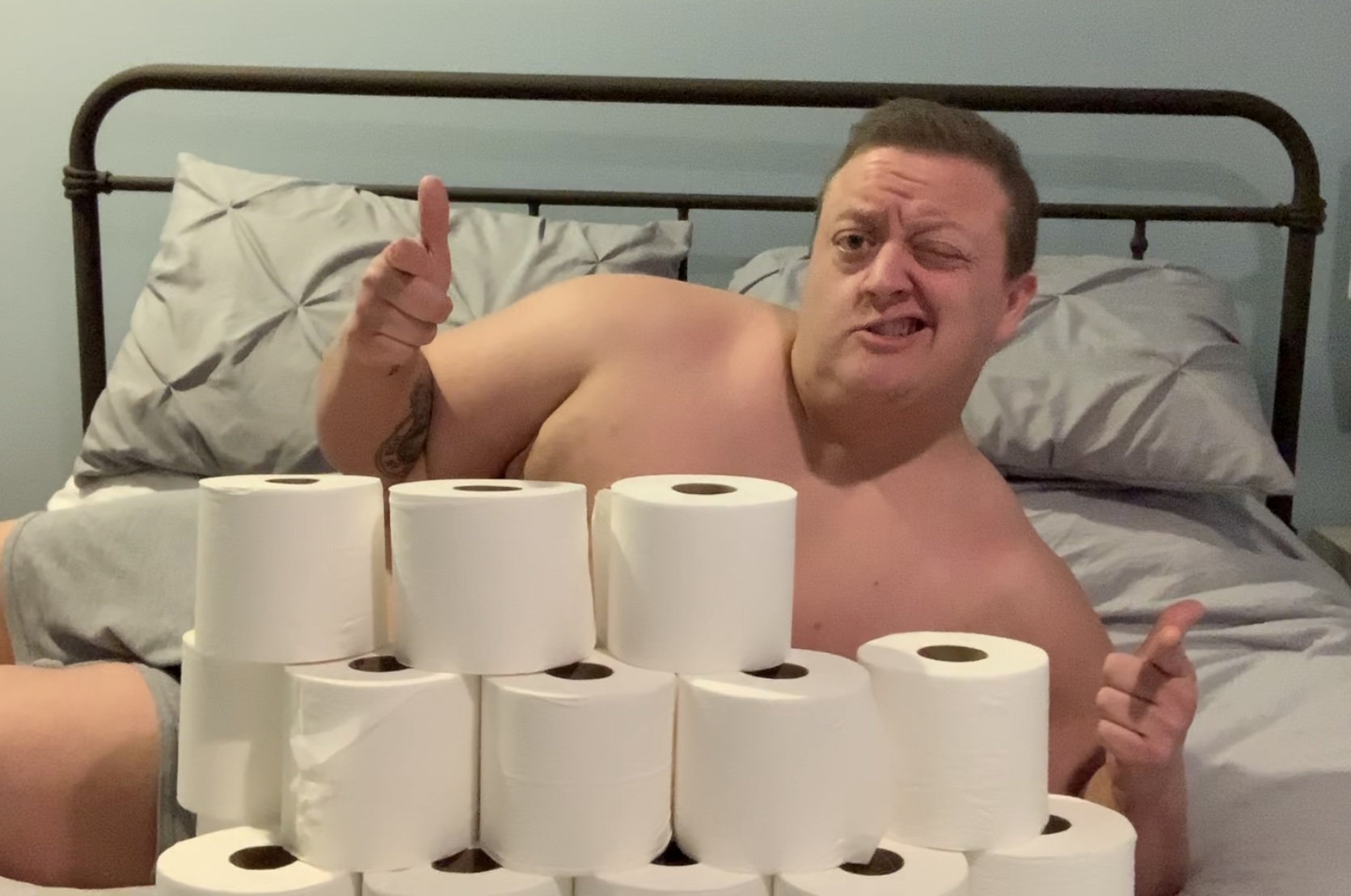 Men Are Measuring Their Penises With Toilet Roll Tubes Ladbible