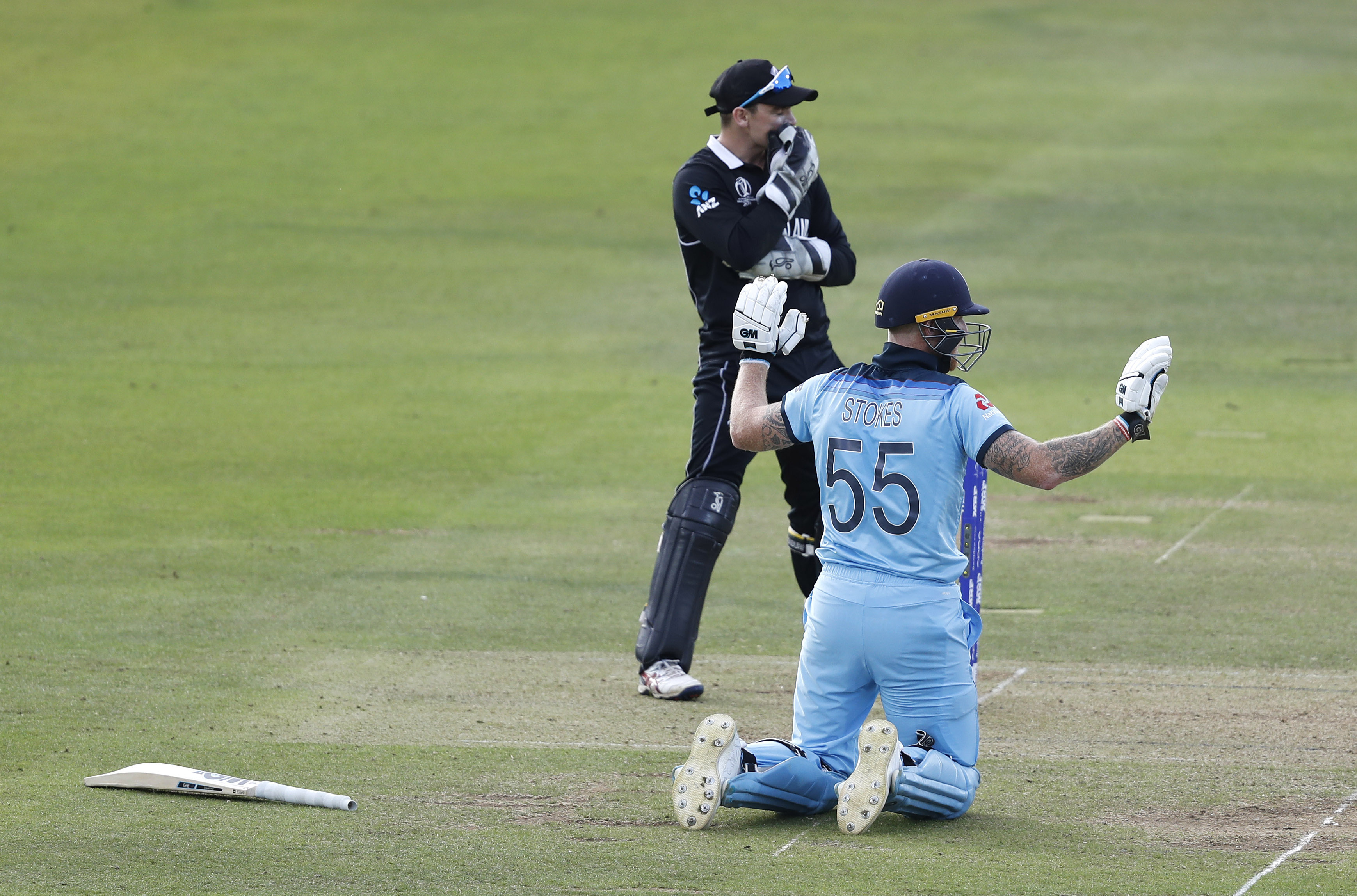Stokes apologises following his fortunate six. Image: PA Images