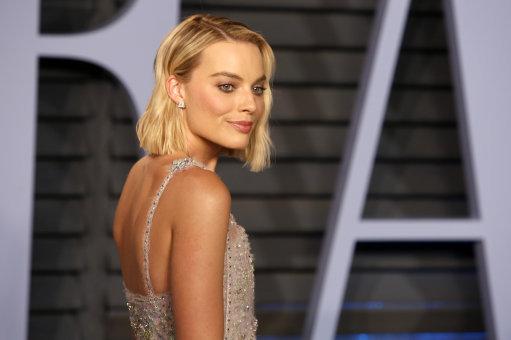 Margot Robbie's Makeup Artist Reveals Ingenious Mascara Hack