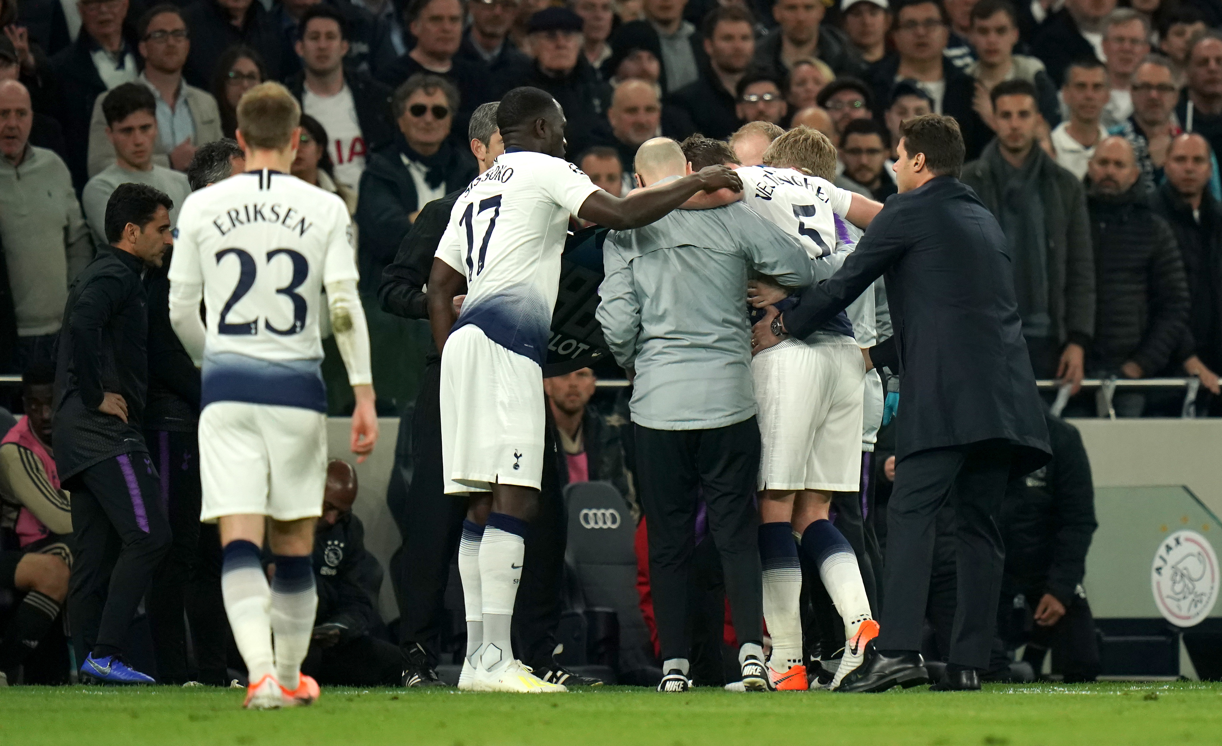 Vertonghen was helped off the pitch. Image: PA Images