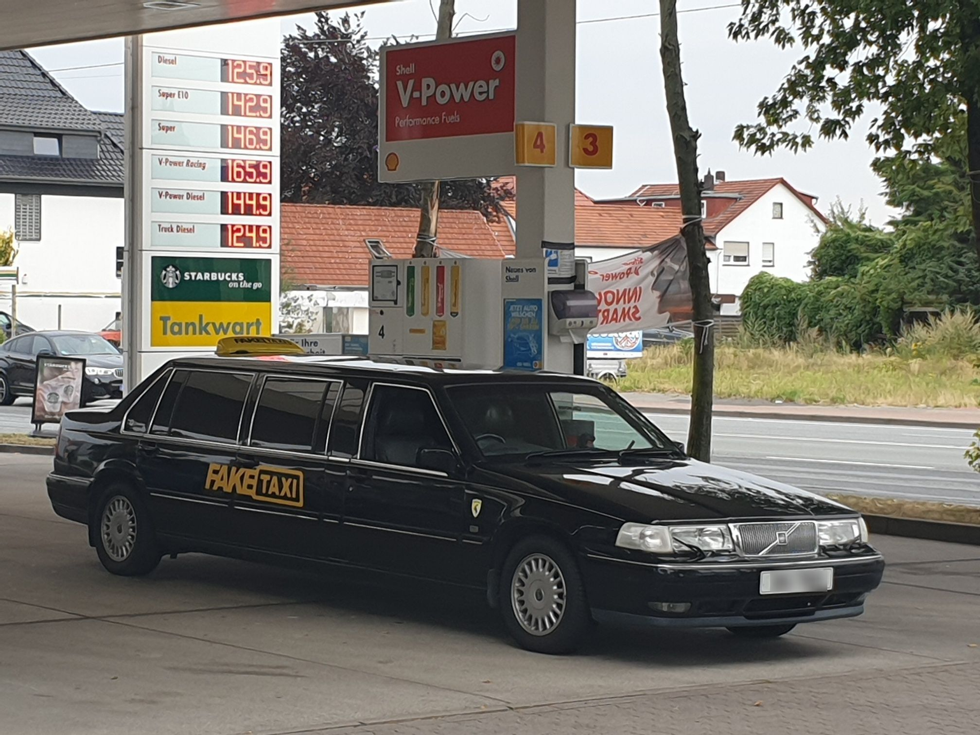 LADs Turn £1000 Limo Into A Fake Taxi And Take It On