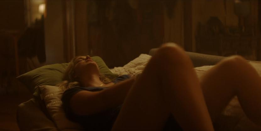 'You' Creator Explains The Significance Of That Female Masturbation Scene