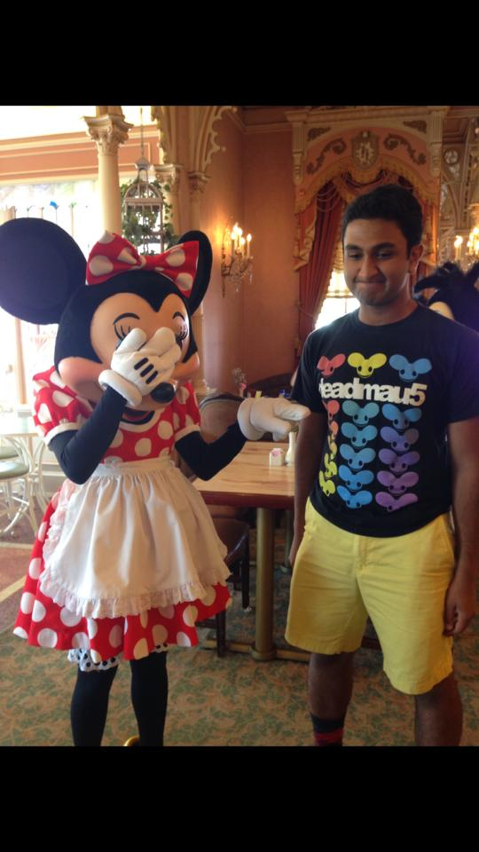This guy went to Disneyland wearing the wrong shirt...