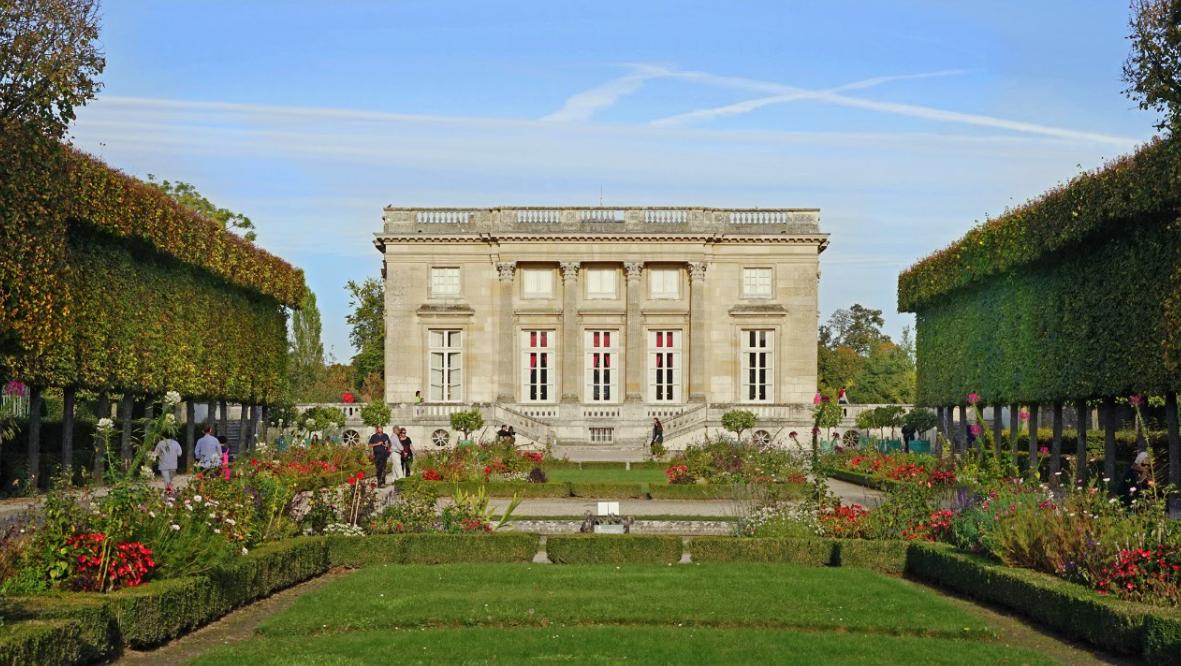 The Petit Trianon at Versailles. Credit: Flickr/Jean-Pierre Dalbéra