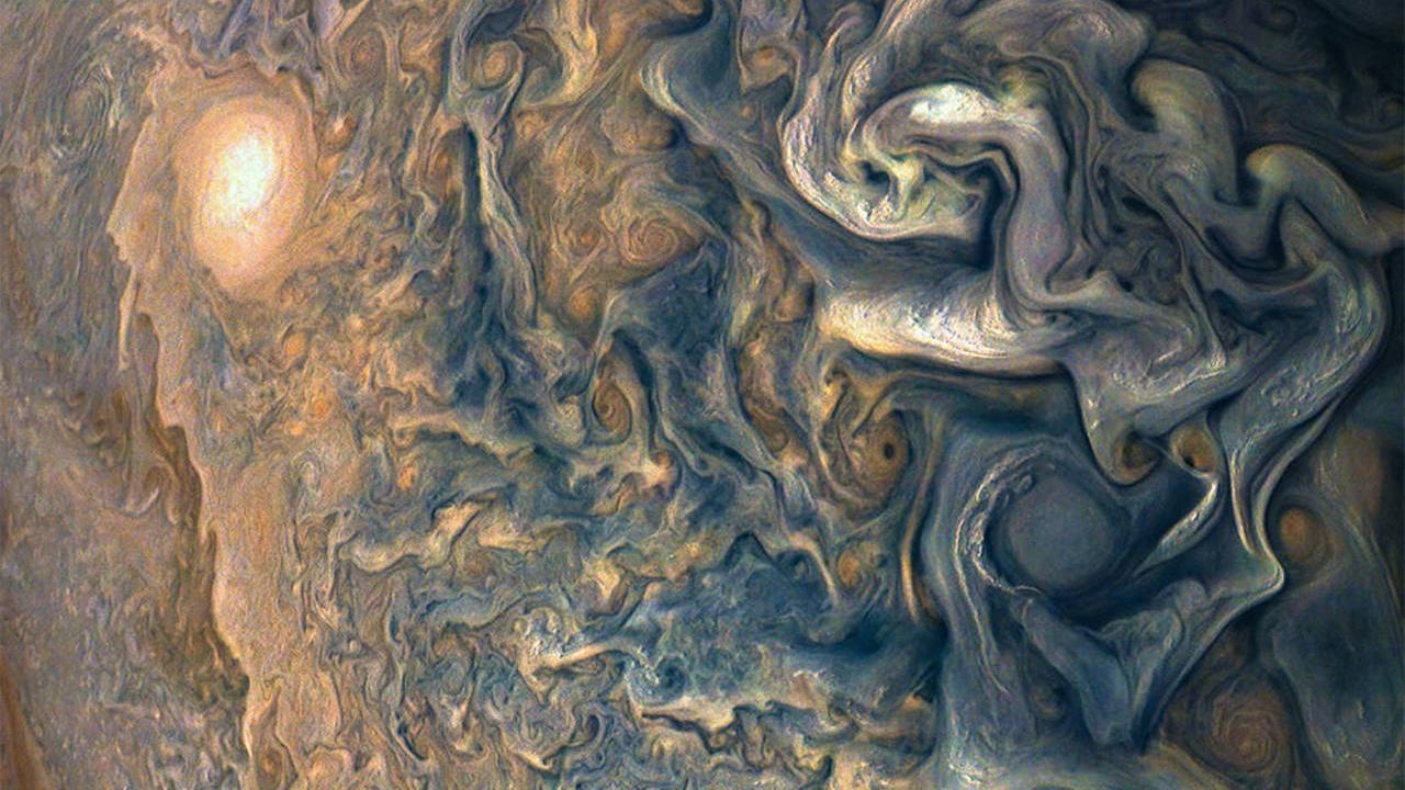 NASA's Juno Spacecraft Has Taken Some Incredible Pictures Of Jupiter