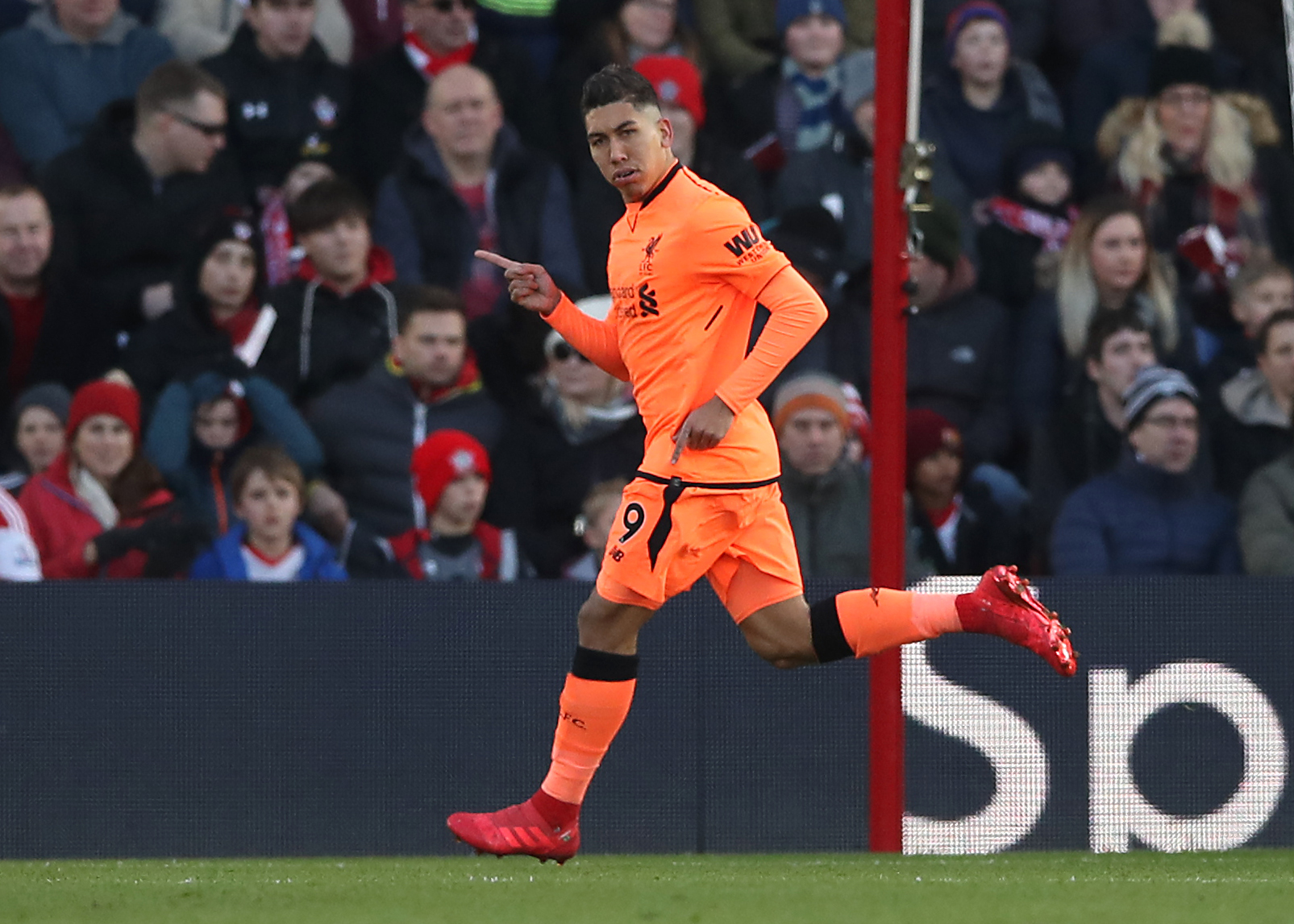 Alex Oxlade-Chamberlain Hits Back At