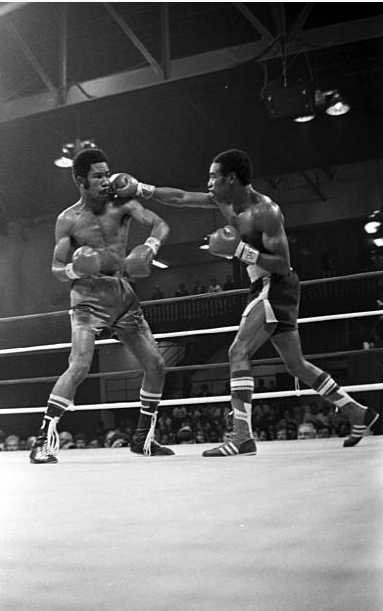 Rocky Lockridge (R) lands a punch against Eusebio Pedroza. Credit: Getty