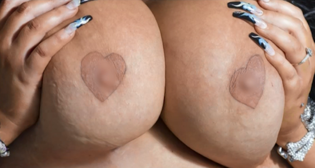 Heart shaved shaped pussy — img 2