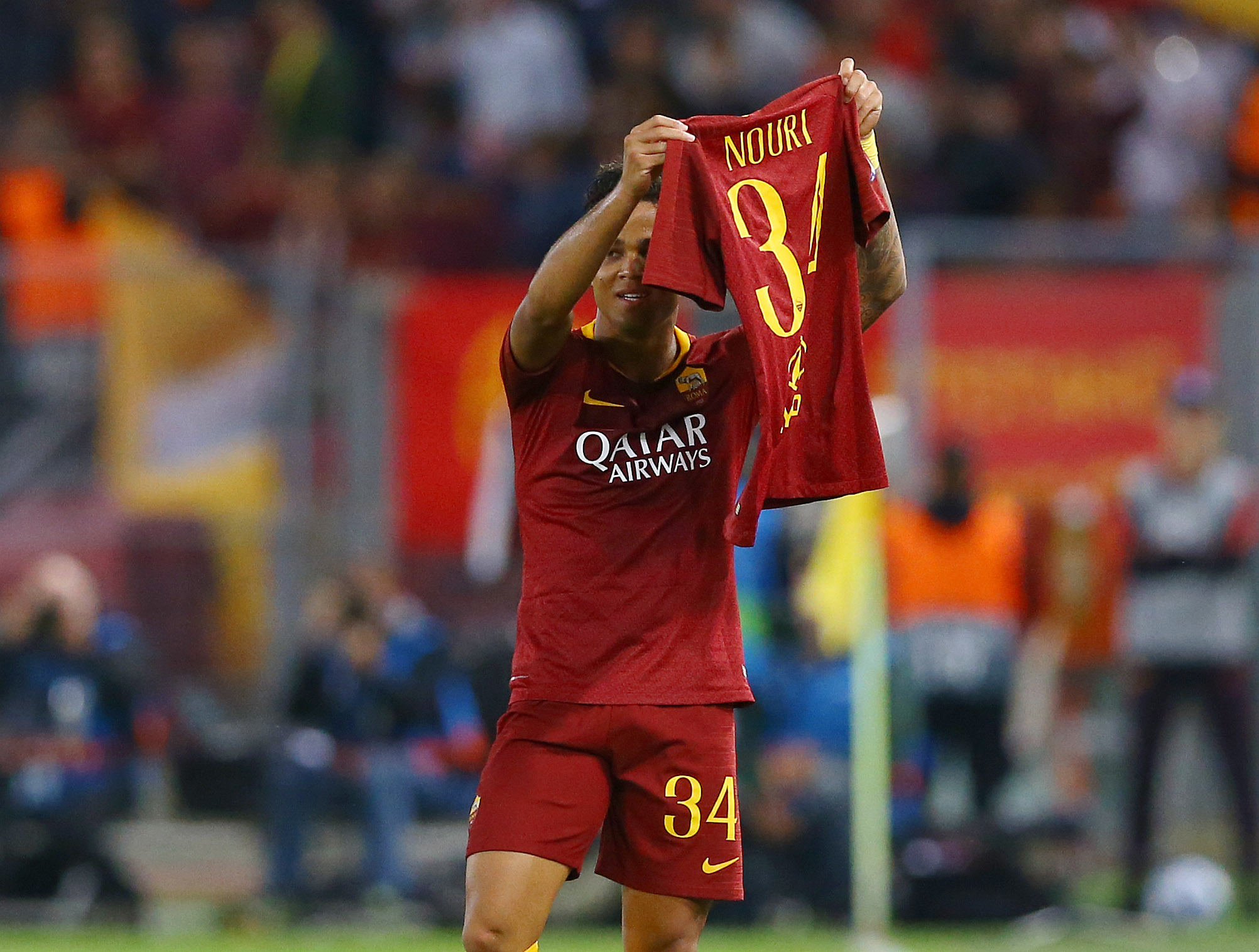 Kluivert Pays Incredible Tribute To Former Ajax Teammate After Scoring For Roma