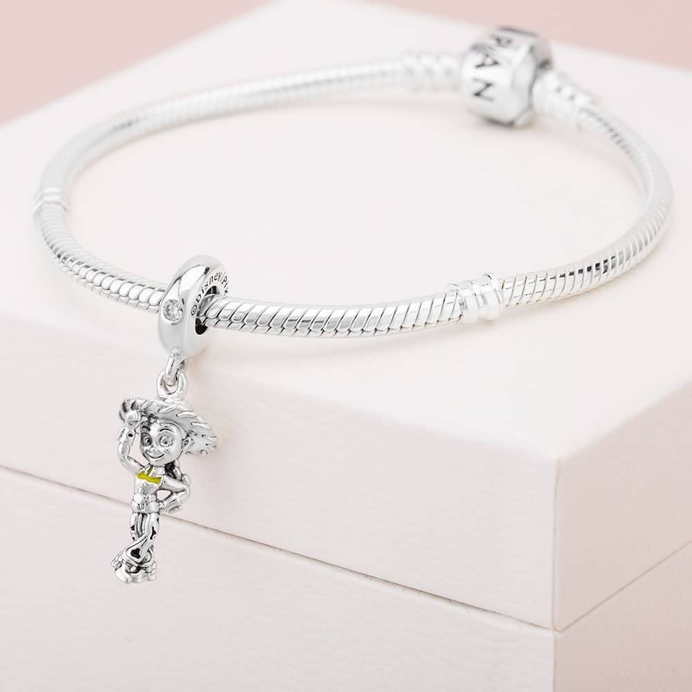 You Can Now Get A Third Off Pandora Jewellery In Huge Sale Tyla