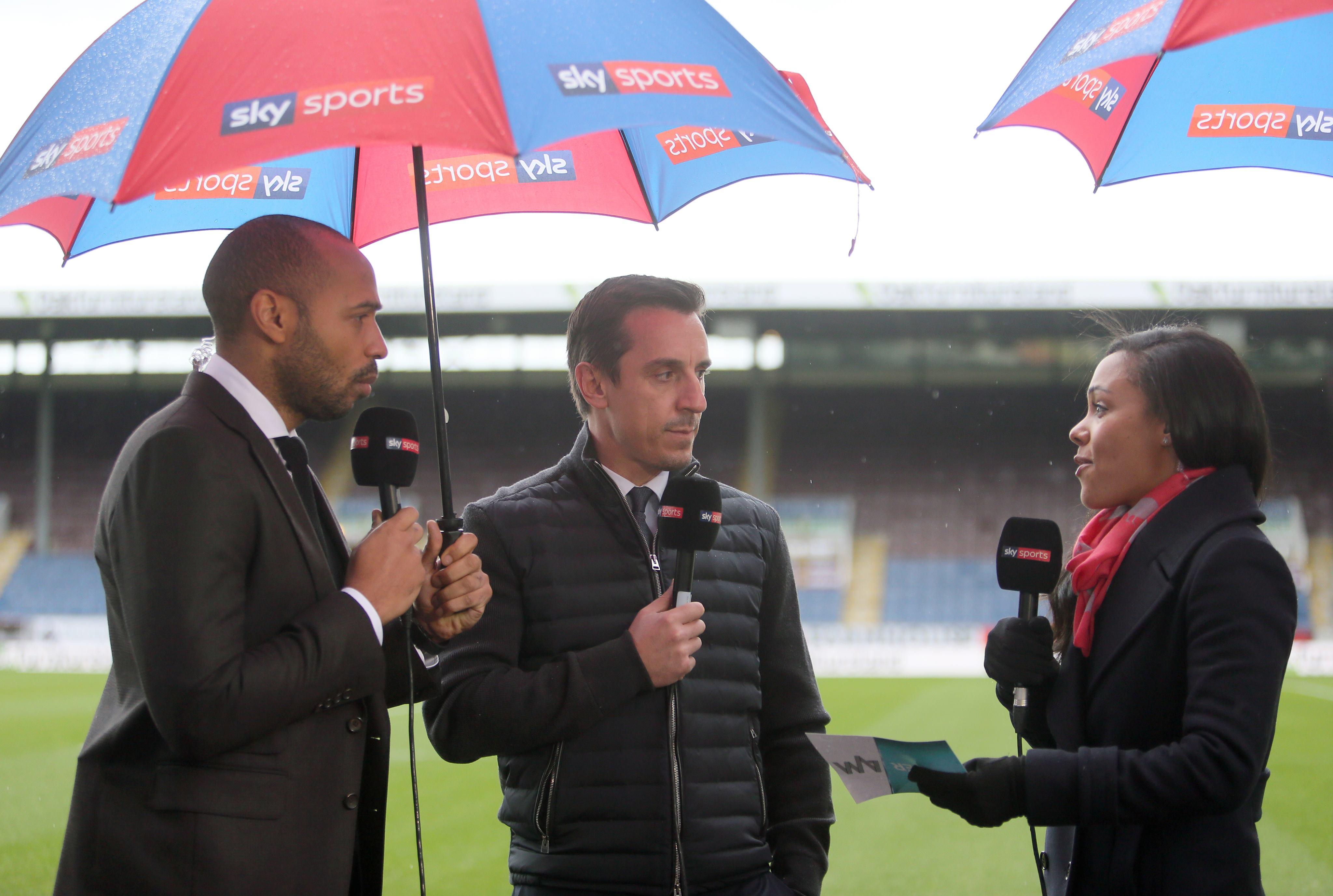 Liverpool ace Oxlade-Chamberlain mocks ' not nice' pundits Neville, Henry: Stupid!