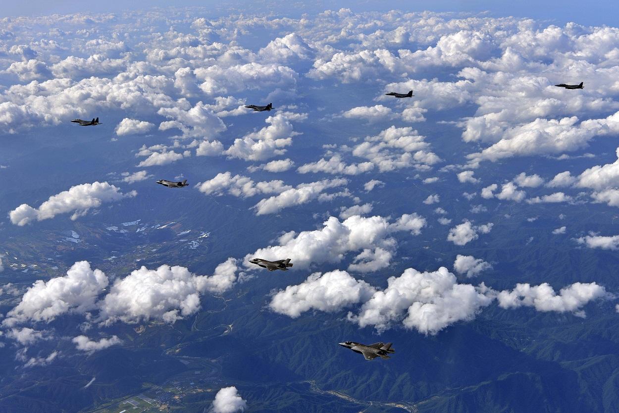 US planes
