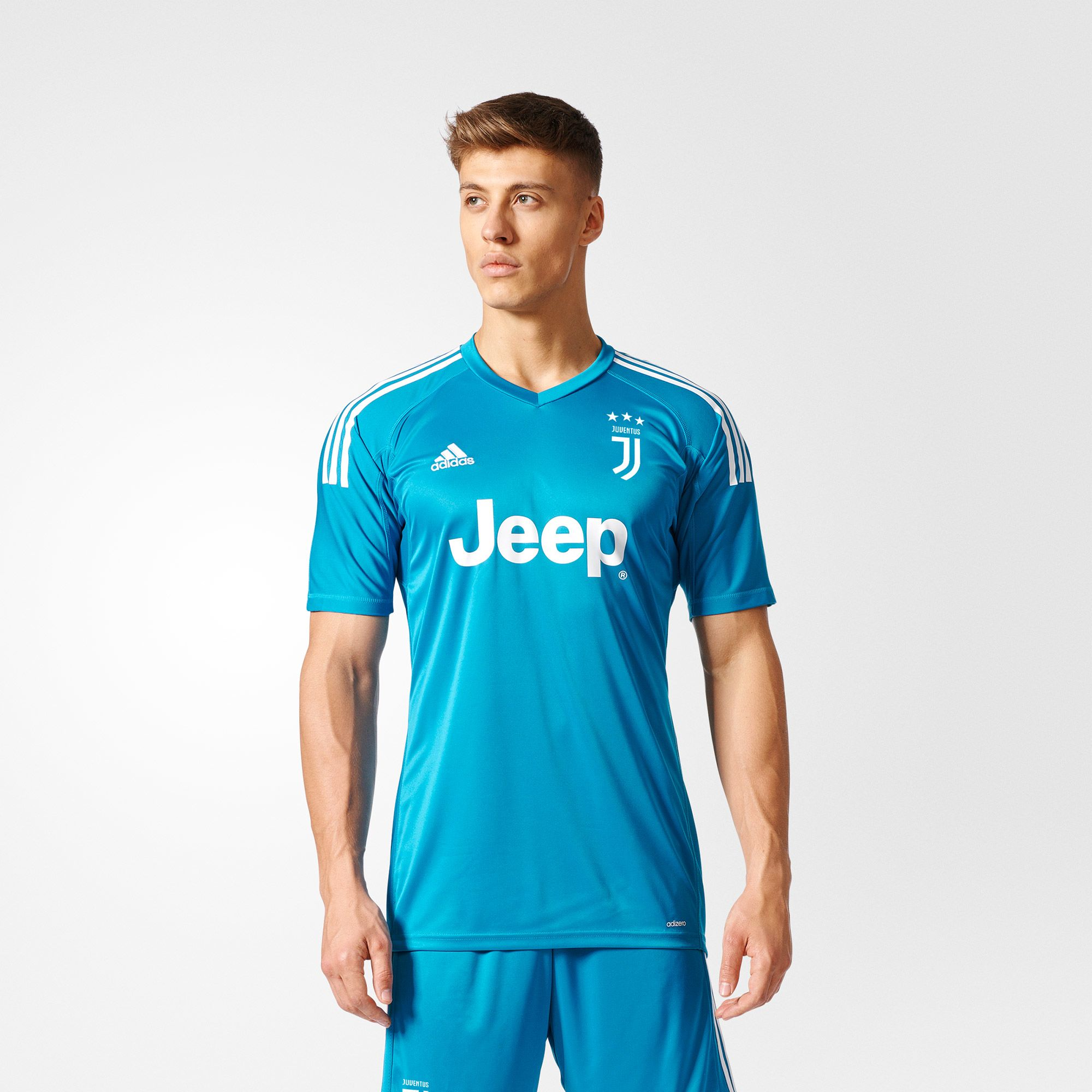 on sale d6568 5e942 Gianluigi Buffon's Final Juventus Goalkeeper Kit Released ...