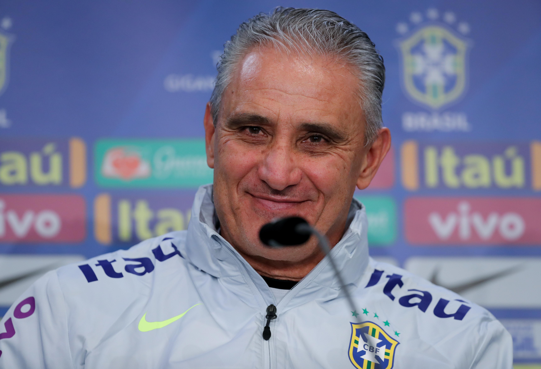 Man. City midfielder Fernandinho earns Brazil recall for Copa America
