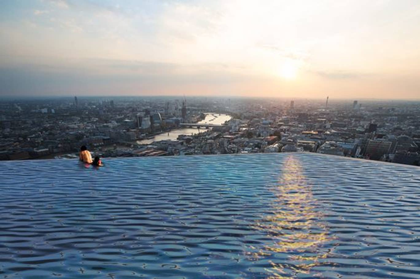 The world's first 360-degree infinity pool is coming to London