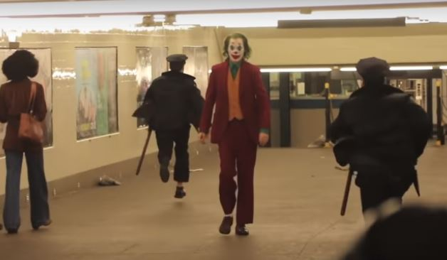 'Joker' extras got locked in subway, had to pee on the tracks