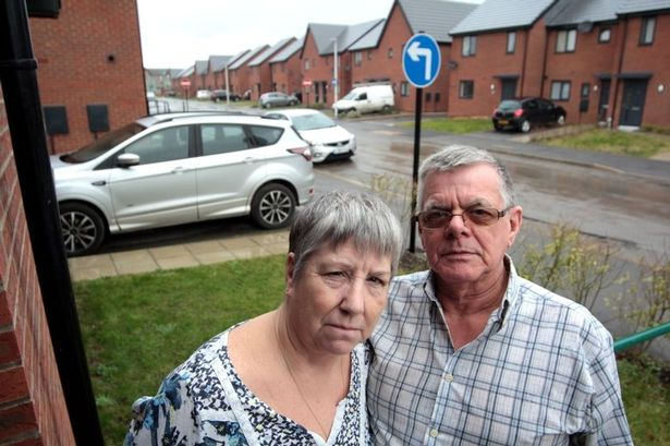 Marilyn and Ken have been left distraught by the placement of the sign. Credit: Hull Daily Mail