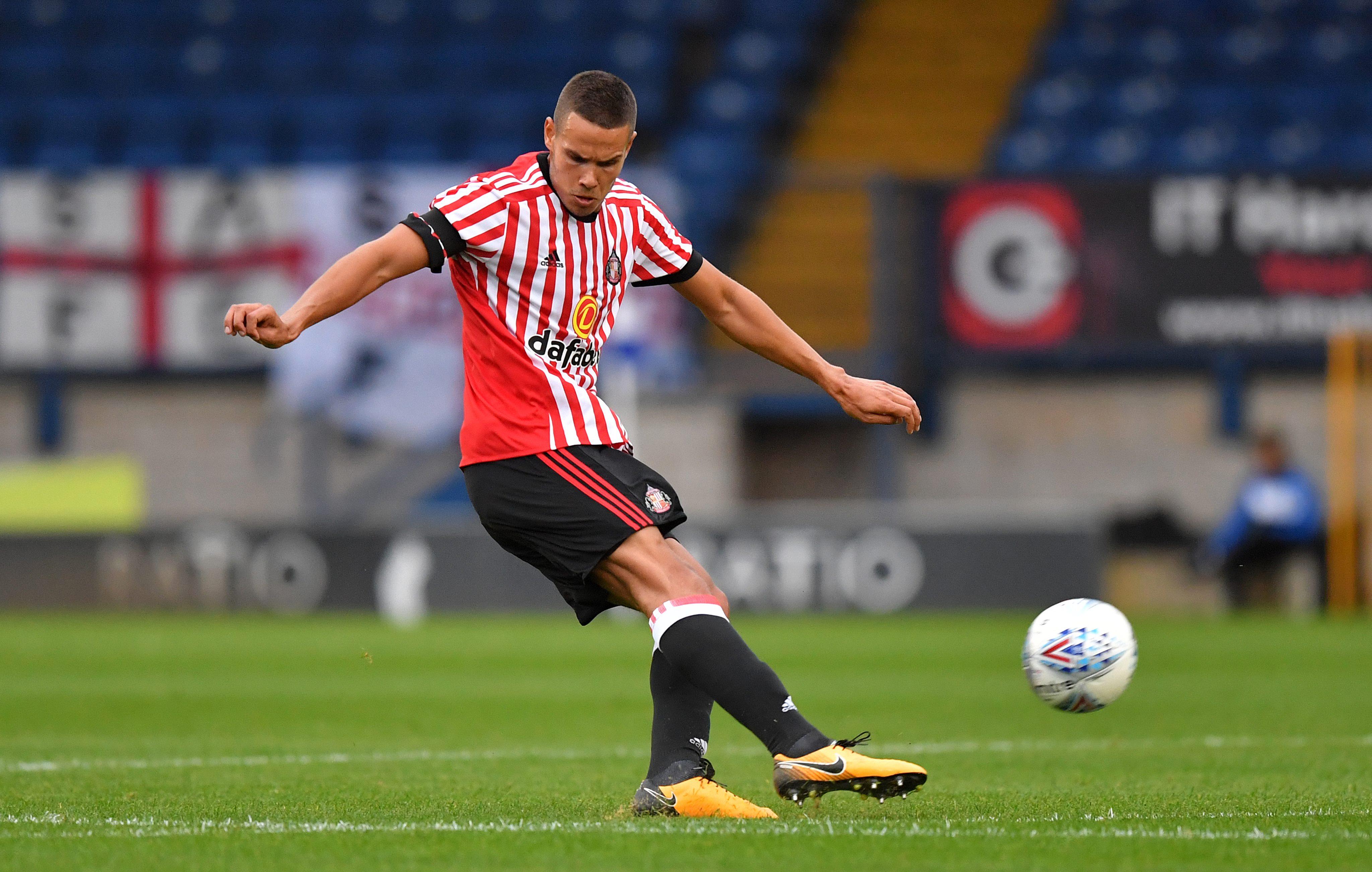 Vitesse Arnhem hand trial to Sunderland midfielder Jack Rodwell