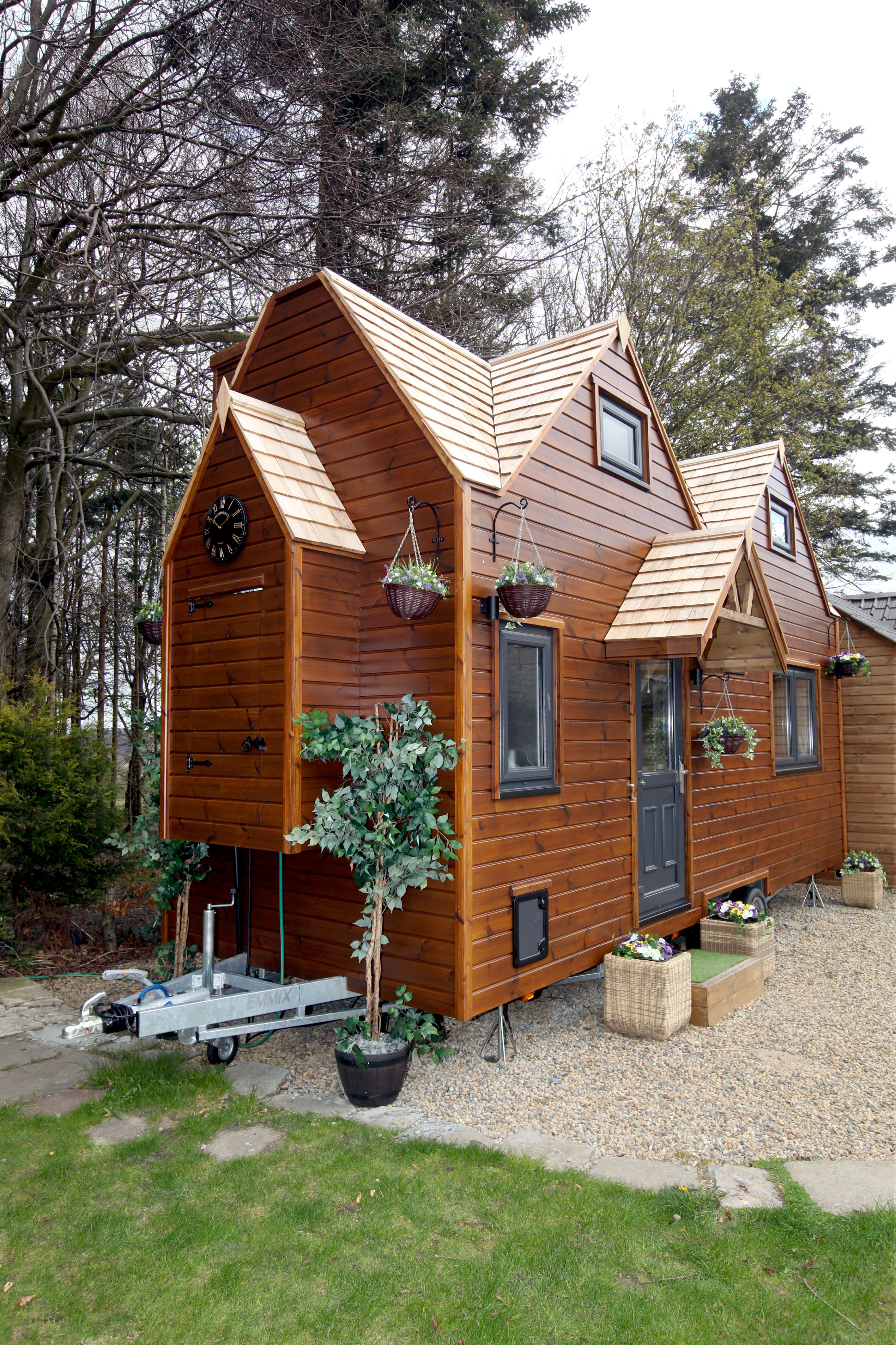 Man Saves 1 000 Each Month By Living In Self Built Eco Home
