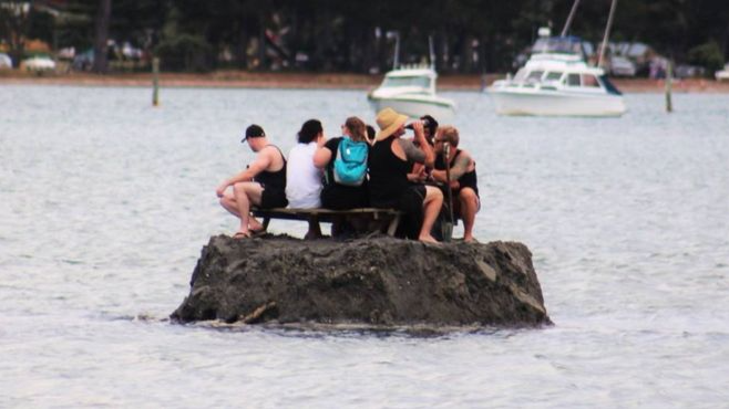 New Zealanders Build Island To Avoid Alcohol Ban