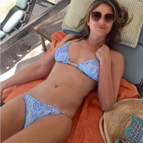 liz hurley bikini