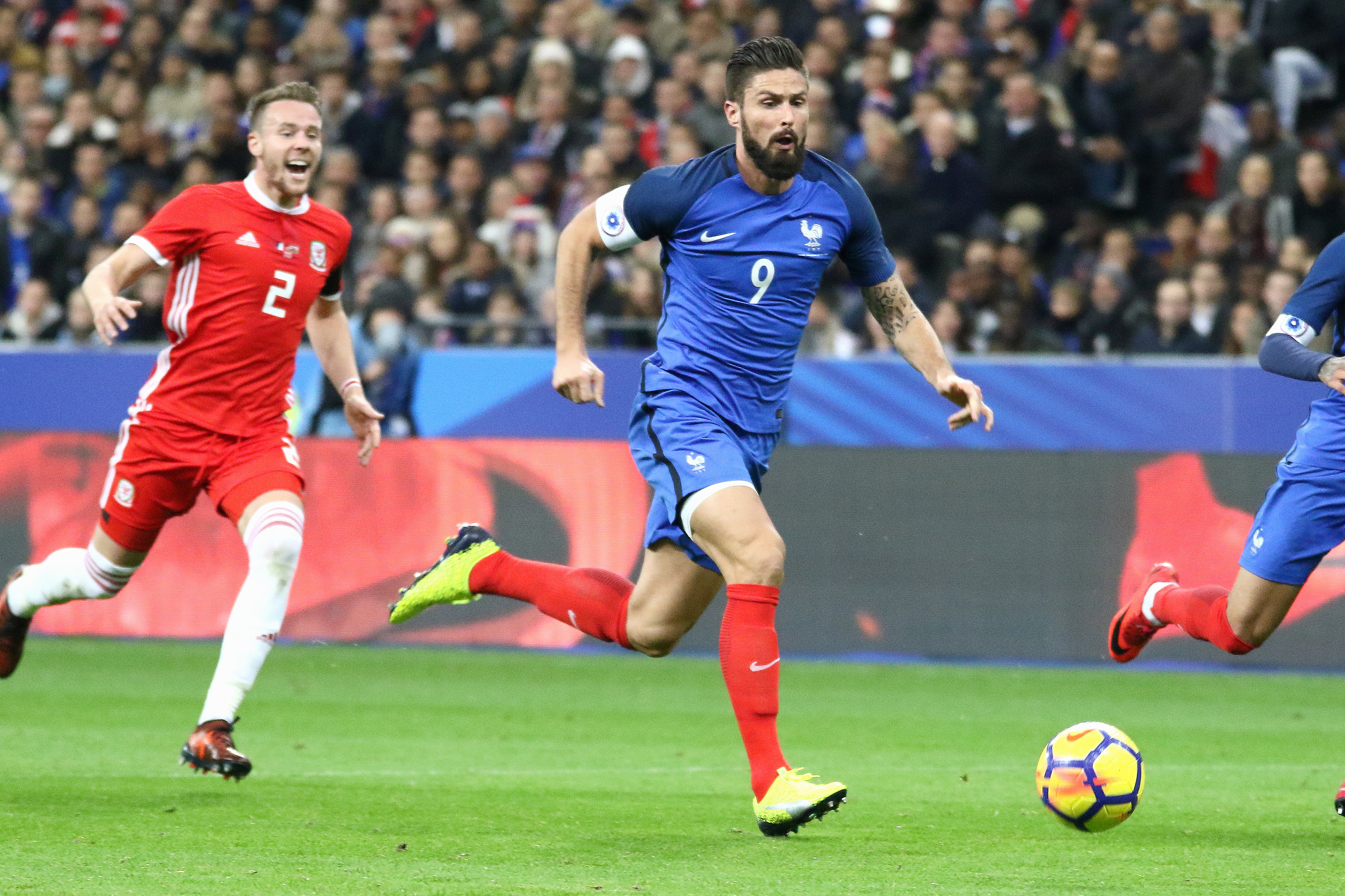 Olivier Giroud urged to leave Arsenal in January by France assistant manager