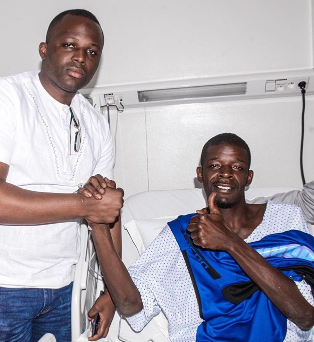 N'Diaye gives a thumbs up from hospital. Credit: Horoya AC/Instagram