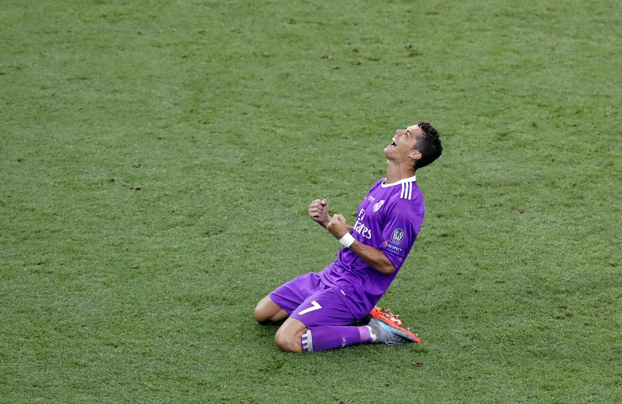 Real Madrid boss Perez tackles Ronaldo problem