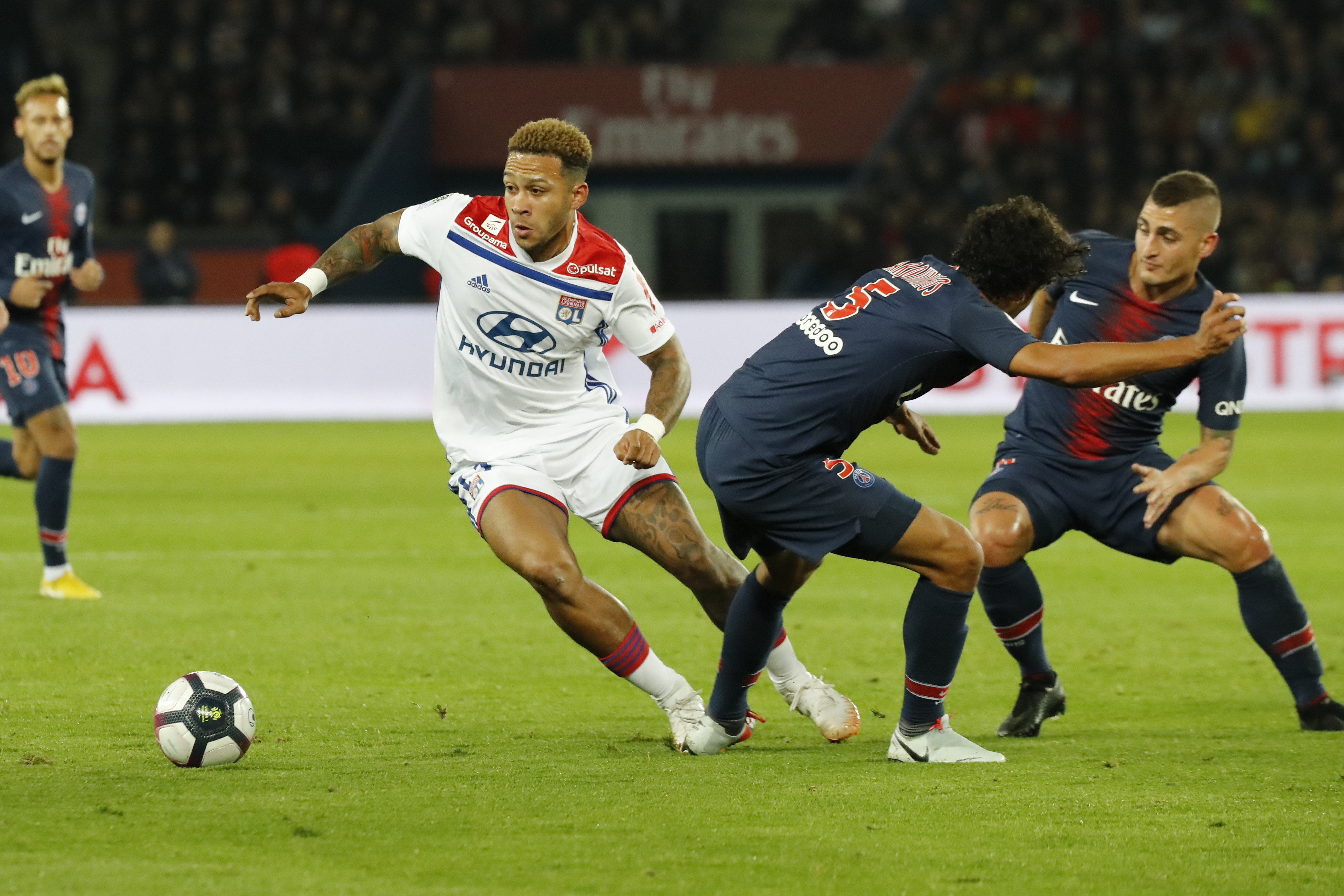 Liverpool not planning move for Lyon's Memphis Depay