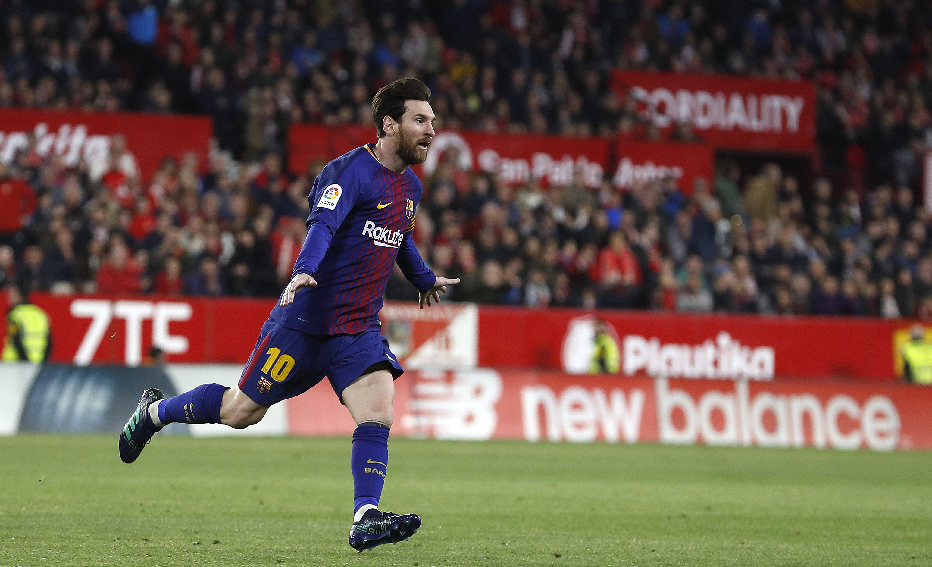 Lionel Messi starred in Barcelona's draw with Sevilla despite carrying an injury