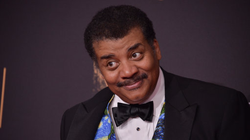 Neil DeGrasse Tyson Trolls Flat Earthers With A Fake Lunar Eclipse