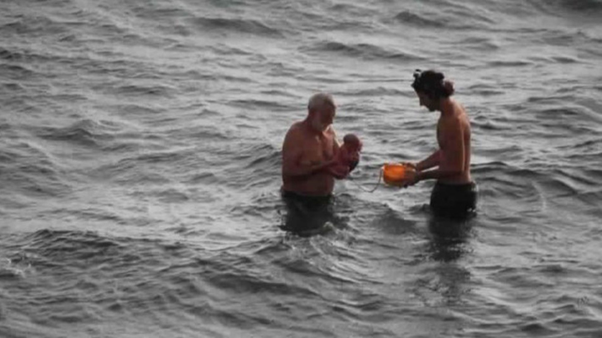 Russian Tourist Gives Birth To Her Baby In The Red Sea
