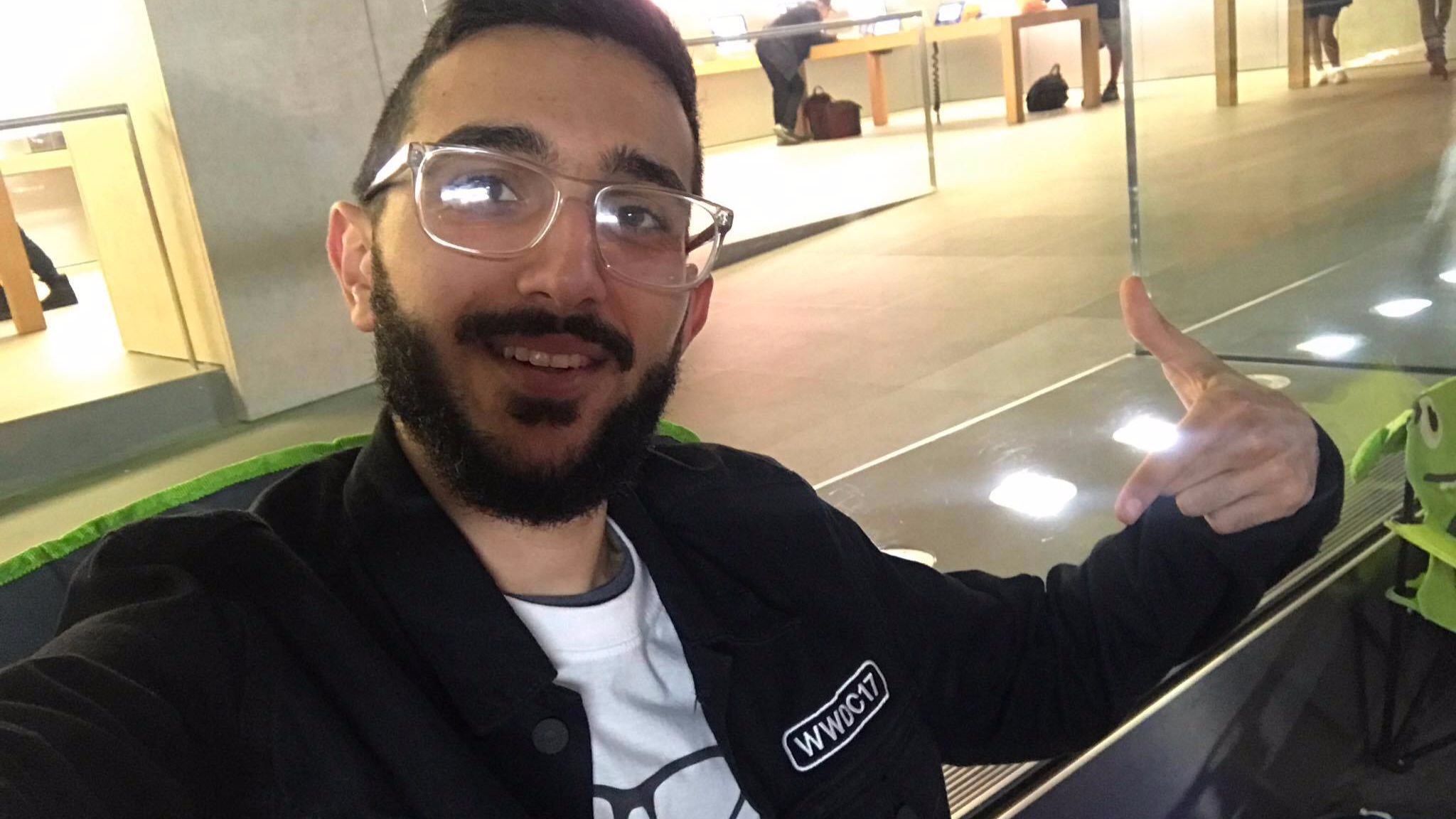 iPhone 8: LAD Is So Keen For Apple's New Release He's Queued Ten Days Early