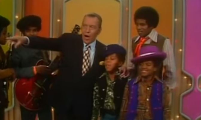 Janet Jackson Reenacts Michael Jackson's