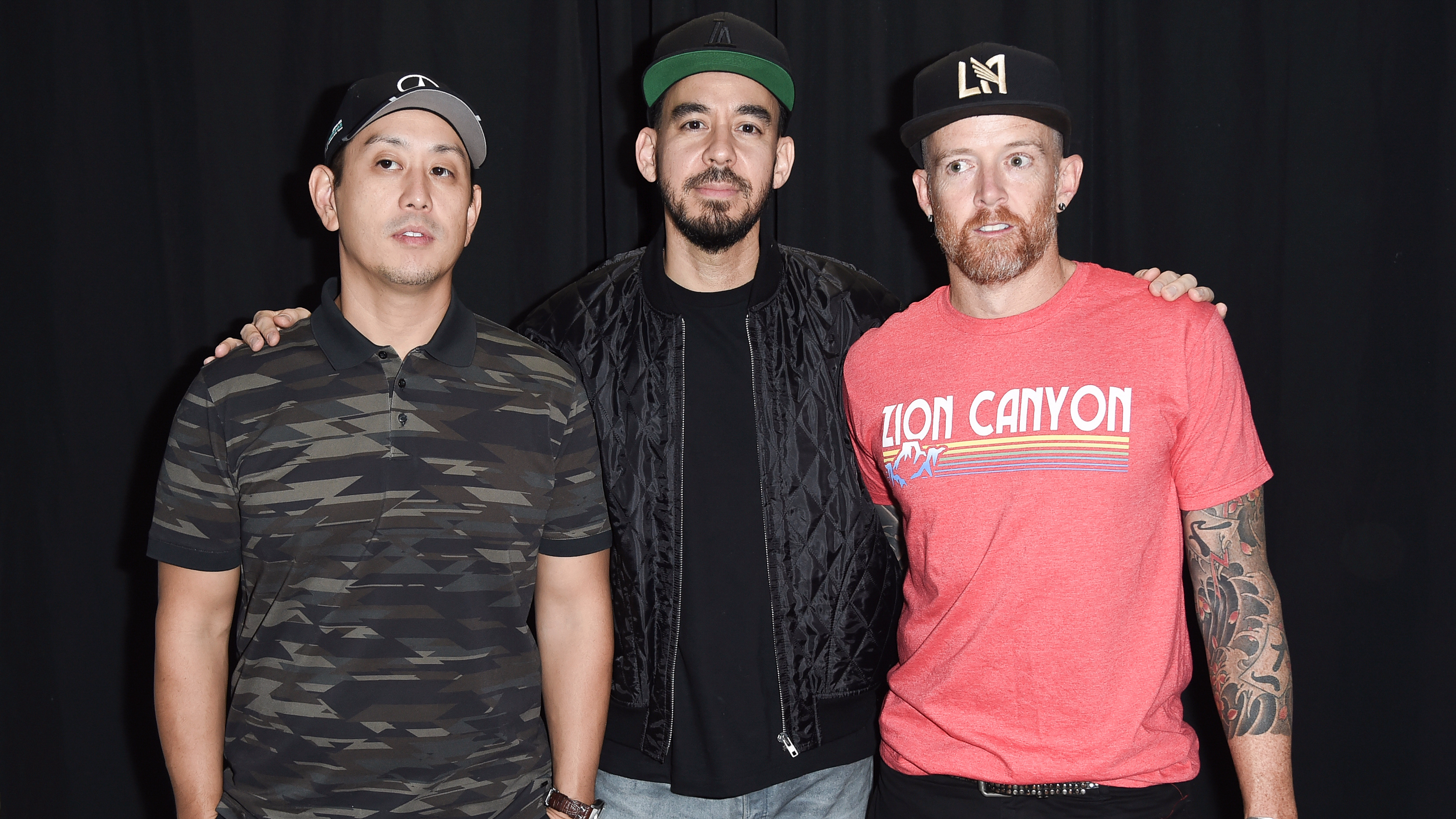 Linkin Park Fans Sing Chester Bennington's 'In The End' Part At Memorial Concert